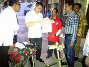 Kampanyekan Perindo, Handoko Nekat Naik Ontel dari Jepara ke Jakarta (Foto: Okezone)