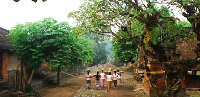Otonomi Desa Adat di Bali Terancam UU Desa