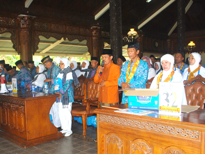 864 Calon Haji Diberangkatkan Terbagi 3 Kloter
