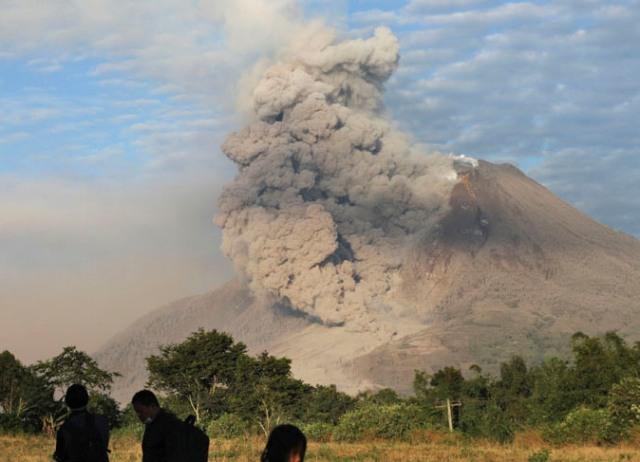 "Gunung Sinabung ""menghilangkan"" 3 Desa"