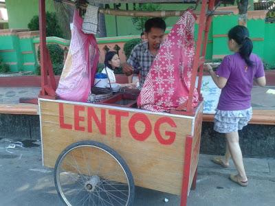 Lenthog Bang Arif Mangkal Di Alon-Alon Jepara