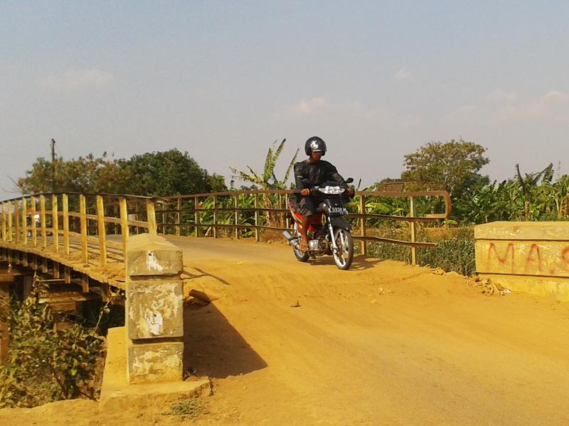 Jembatan Sowan Kidul Kondisinya Memprihatinkan