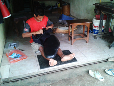 Udin  Karyawan Jok , Ingin Punya Usaha Sendiri