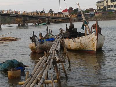 Solar Naik Harga Ikan Turun Suratnopun Kelimpungan