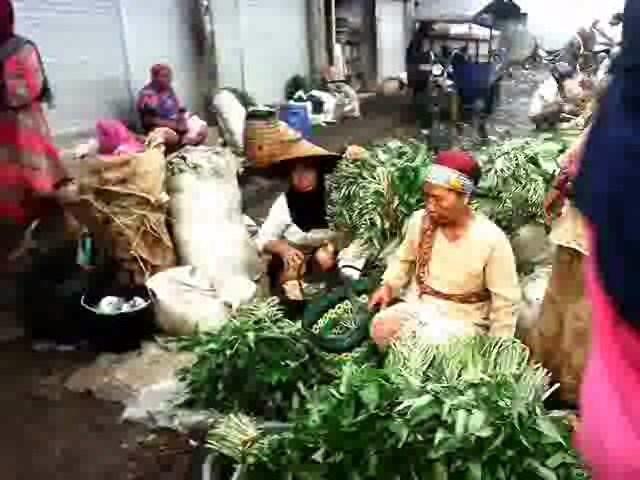 Geger Pagi hari di Pasar Tradisional Desa Kedungmutih Demak