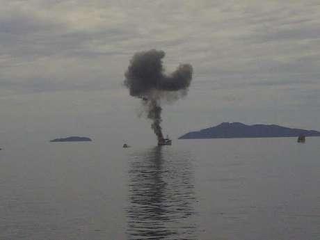 Blam !!!! 3 Kapal Nelayan Vietnam Pencuri Ikan Diledakkan