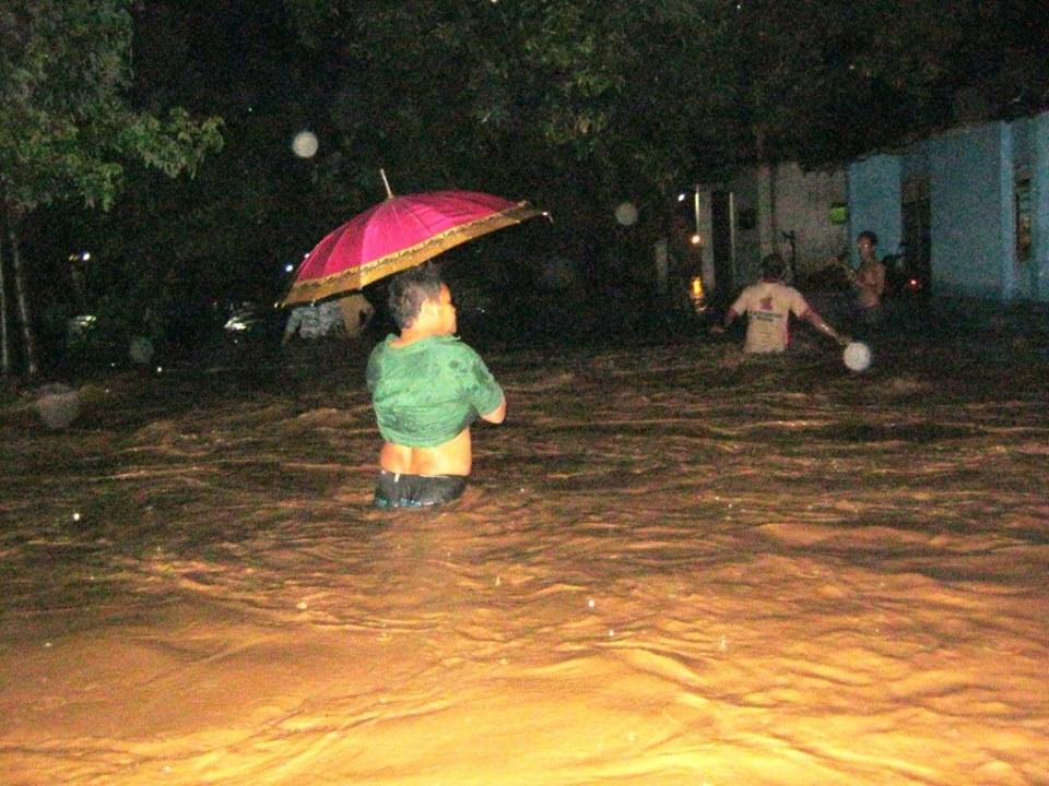 Tadi Malam Banjir Melanda Desa  Jepara