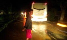Tadi Malam Jalur Purwodadi Semarang KM 22 Karangawen Tergenang