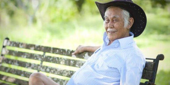 Pengusaha Nyentrik Bob Sadino Meninggal Dunia Hari ini, Ini Biografi Singkatnya