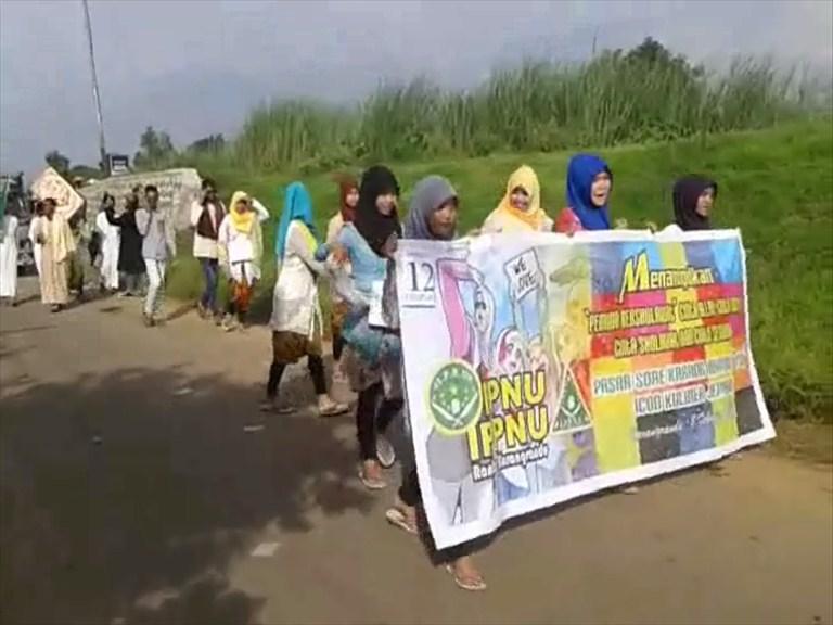 Kirab Budaya Islam Di desa Karangrandu Meriah