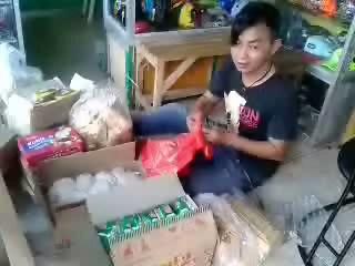 """Slamet SB Punya Ide , Santuni Orang Tua Jompo Lewat """" Tab-ah """""""