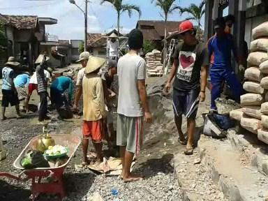 Masih Ada Kegiatan Gotong Royong Di Desa Kedungmutih Demak