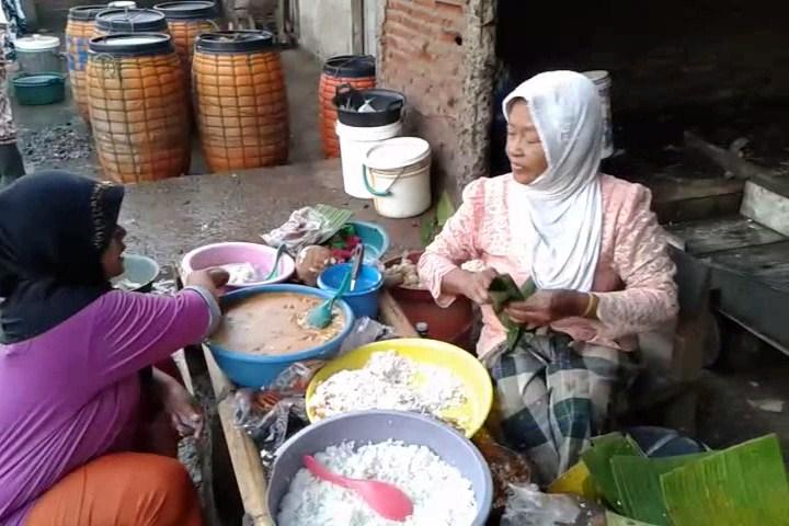 Bu Tukhah Warga Desa Kedungmutih Lestarikan Makanan Tradisional