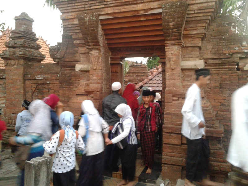 Jelang Ramadhan Makam Sunan Kudus Ramai Dikunjungi Peziarah