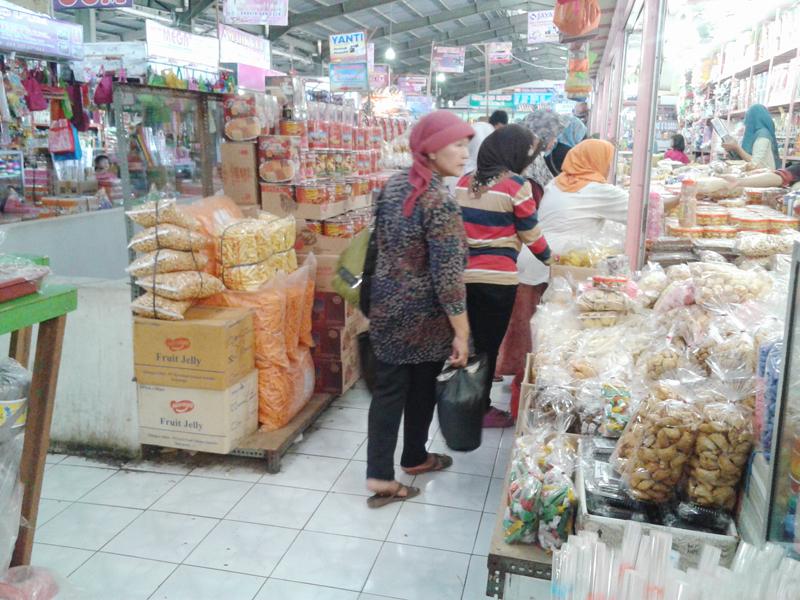 Ramadhan Pasar Kliwon Kudus , Diserbu Pembeli dari Berbagai Daerah