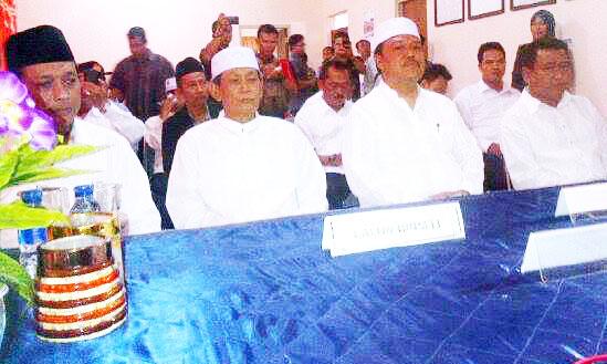 Pasangan Dadi Mendaftar ke KPU Demak , Nasir – Jos Masih Tunggu Wahyu