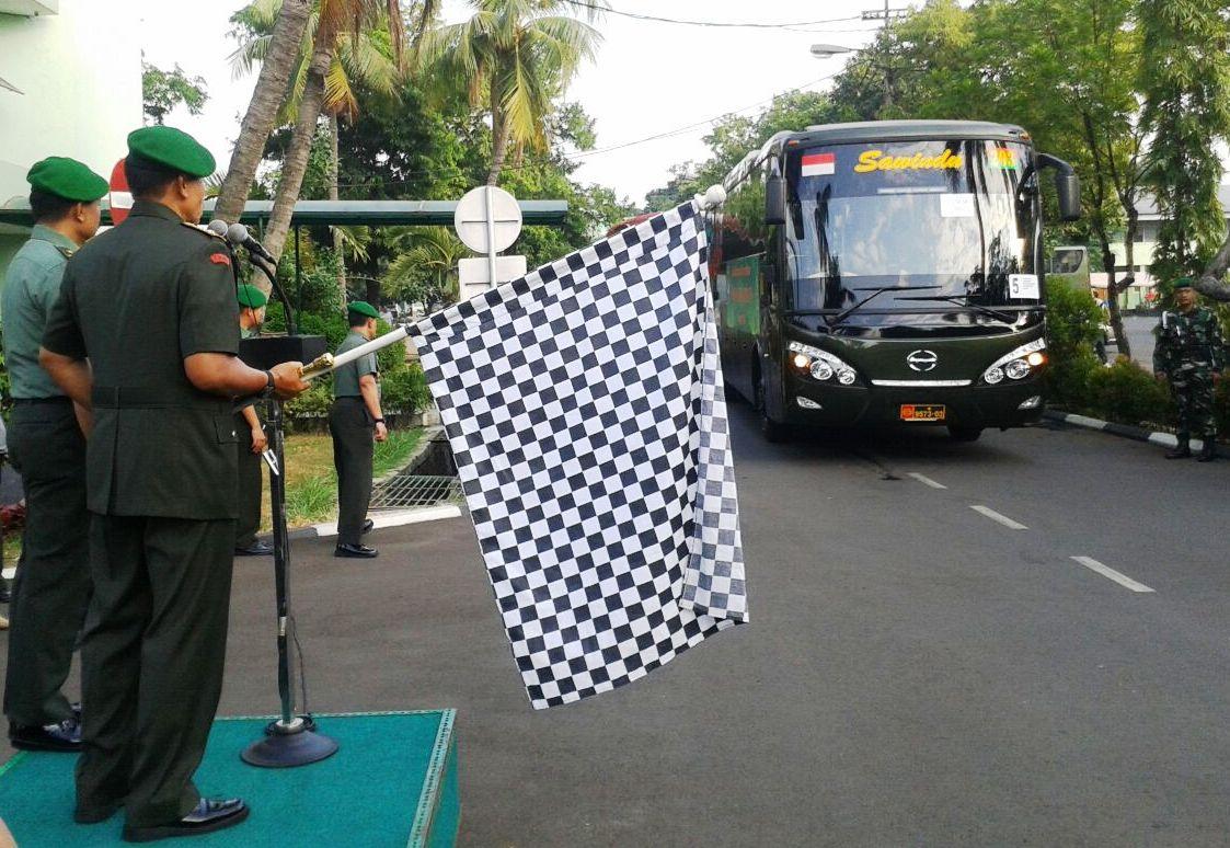Pangdam Jaya Lepas Mudik bersama  Militer dan PNS Kodam Jaya
