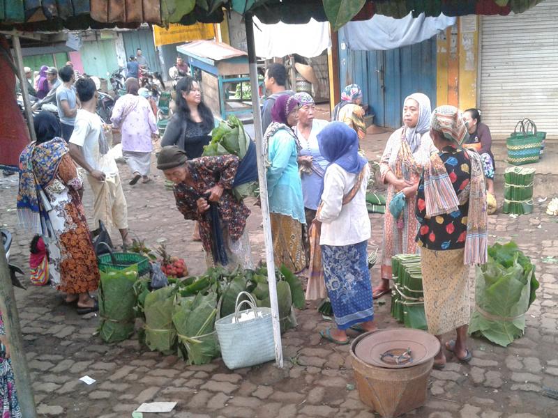 Pasar Pecangaan Pasar Kulakan Hasil Bumi Di Pagi Hari