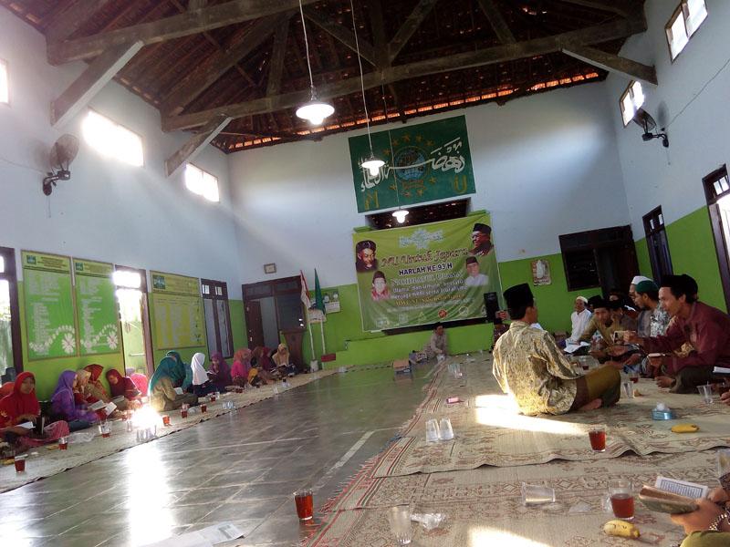 Peringati Harlah NU ke-93 MWC NU Nalumsari Gelar Takhtimul Qur'an Massal