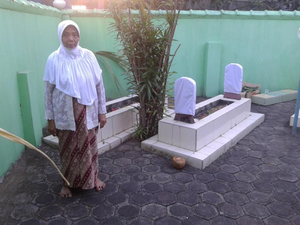 Berziarah Ke Makam  Mbah Buyut Malang Kusumo Pecangaan Kulon