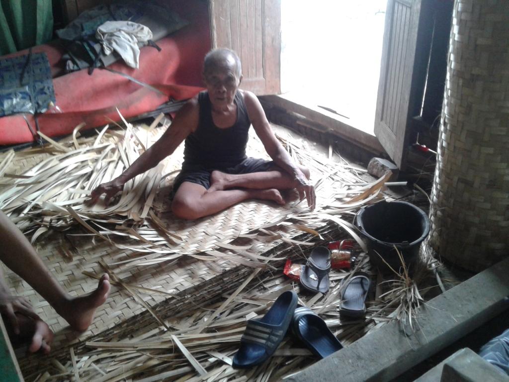 """Pengrajin """"Kepang"""" di Karanganyar Jepara Kini Tinggal Hitungan Jari"""