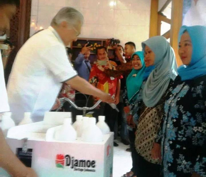 Mendag RI Serahkan Bantuan Sepeda Jamu di Jepara