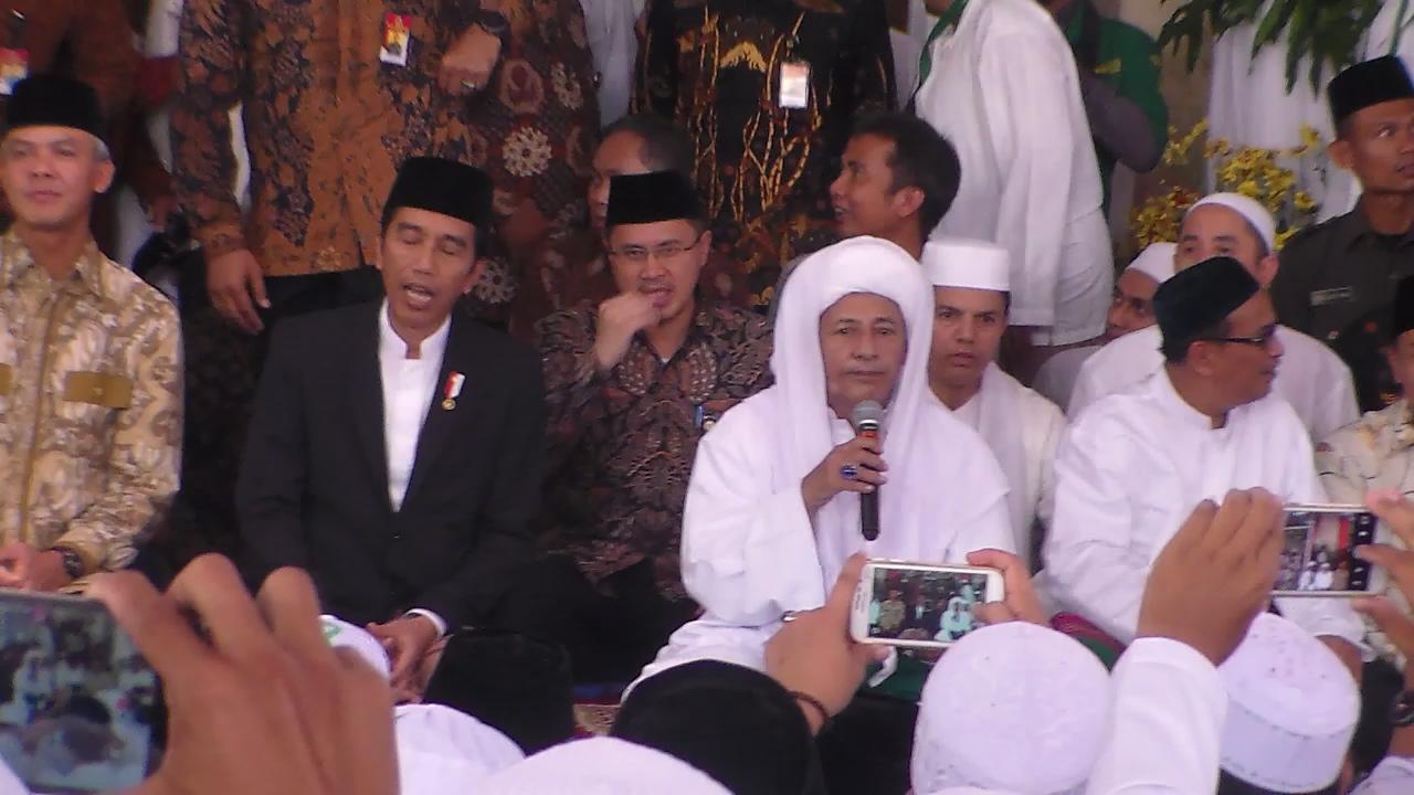 Presiden Jokowi Hadiri Maulid Nabi Muhammad SAW di Kanzussolawat Pekalongan