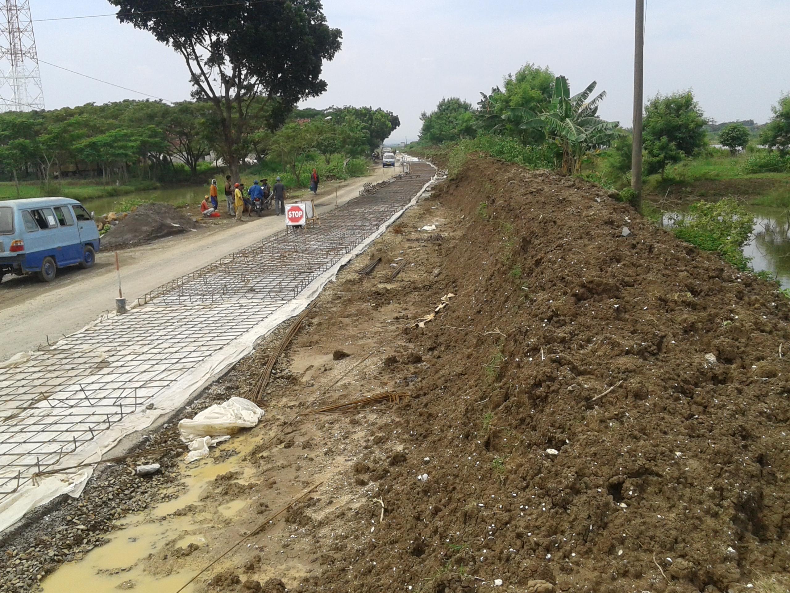 Hore !!!! Betonisasi Jalan Raya Kedungmalang – Karangaji Dilanjutkan