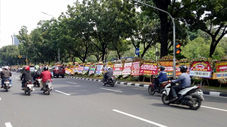 Woooww!!! Karangan Bunga Untuk AHOK-JAROT Capai 2,700