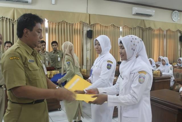 Hore !!! 49 Bidan PTT di Jepara Terima SK Pengangkatan CPNS
