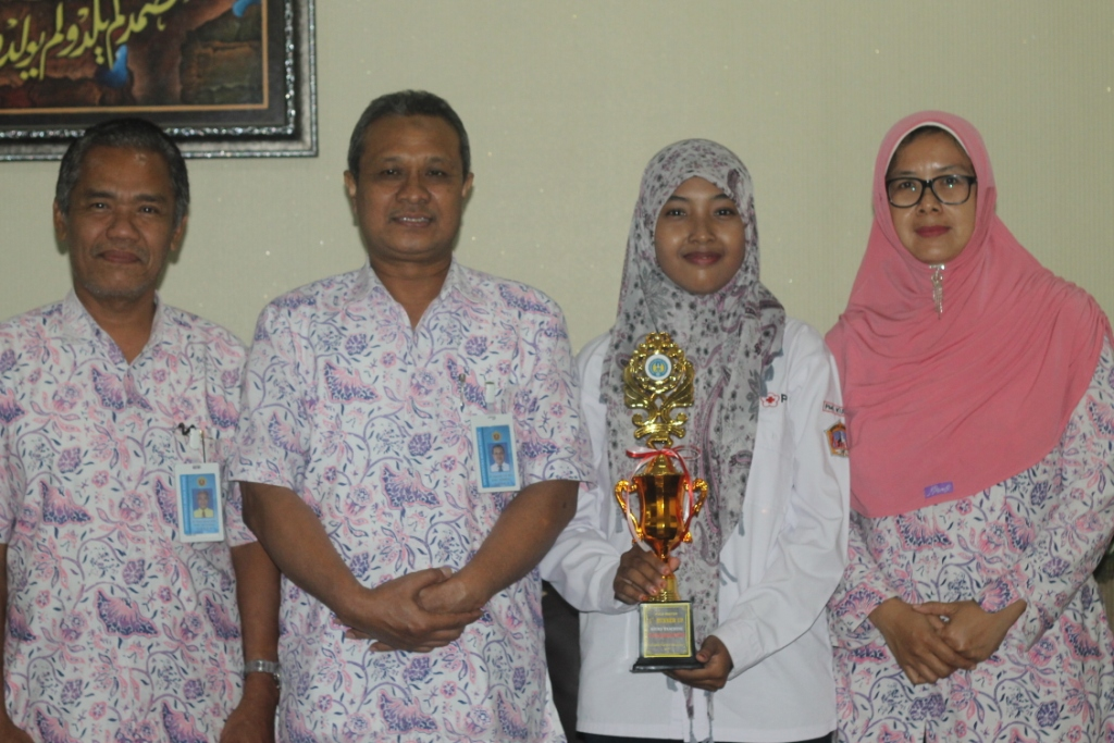 Hebat !!! Mahasiswi UMK  Raih Juara II lomba Micro Teaching ''UNY National English Competition''