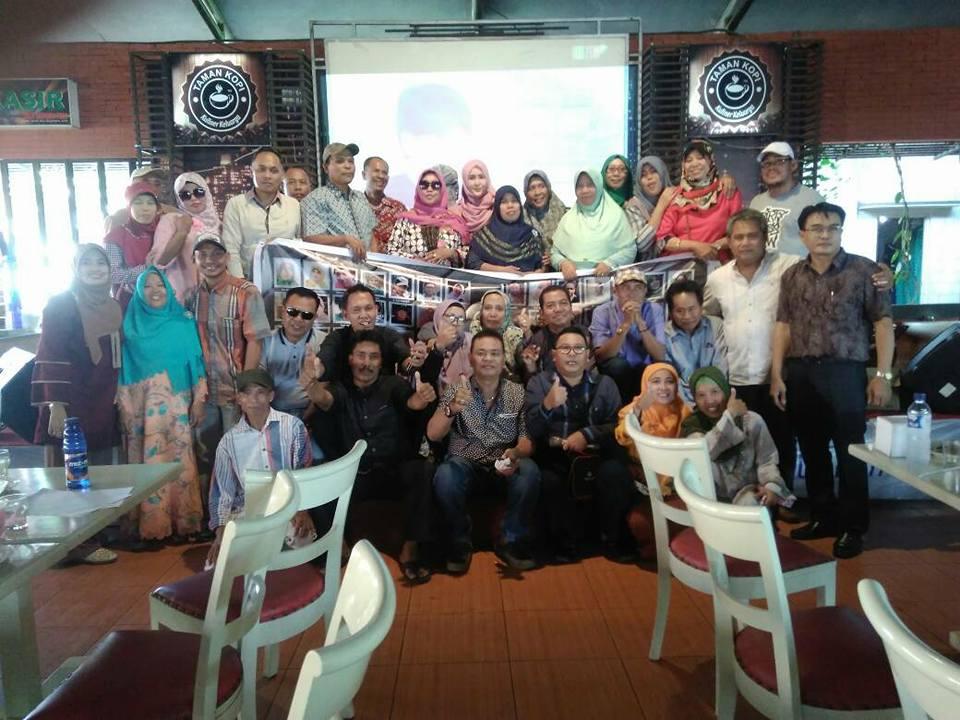Reuni TeluBe SMPN 1 Pecangaan 85 , Taman Kopi Jadi Saksi Kebersamaan Setelah 32 Tahun Berpisah