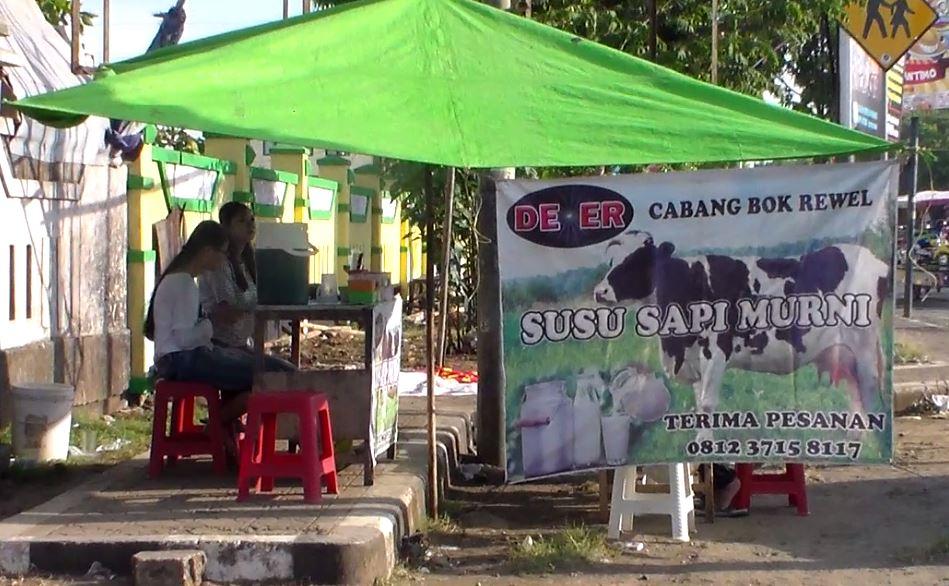 Yuk !!! Minum Susu Sapi Murni ,  di Pasar Kalinyamatan Jepara
