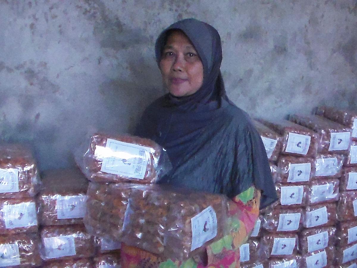 Macaroni Renyah Produk Unggulan Desa Mutih Wetan ,Layak Dikembangkan