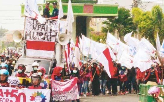 Buruh Jepara Demo Minta Kenaikan Upah , UMK Saat ini Dinilai Masih Rendah
