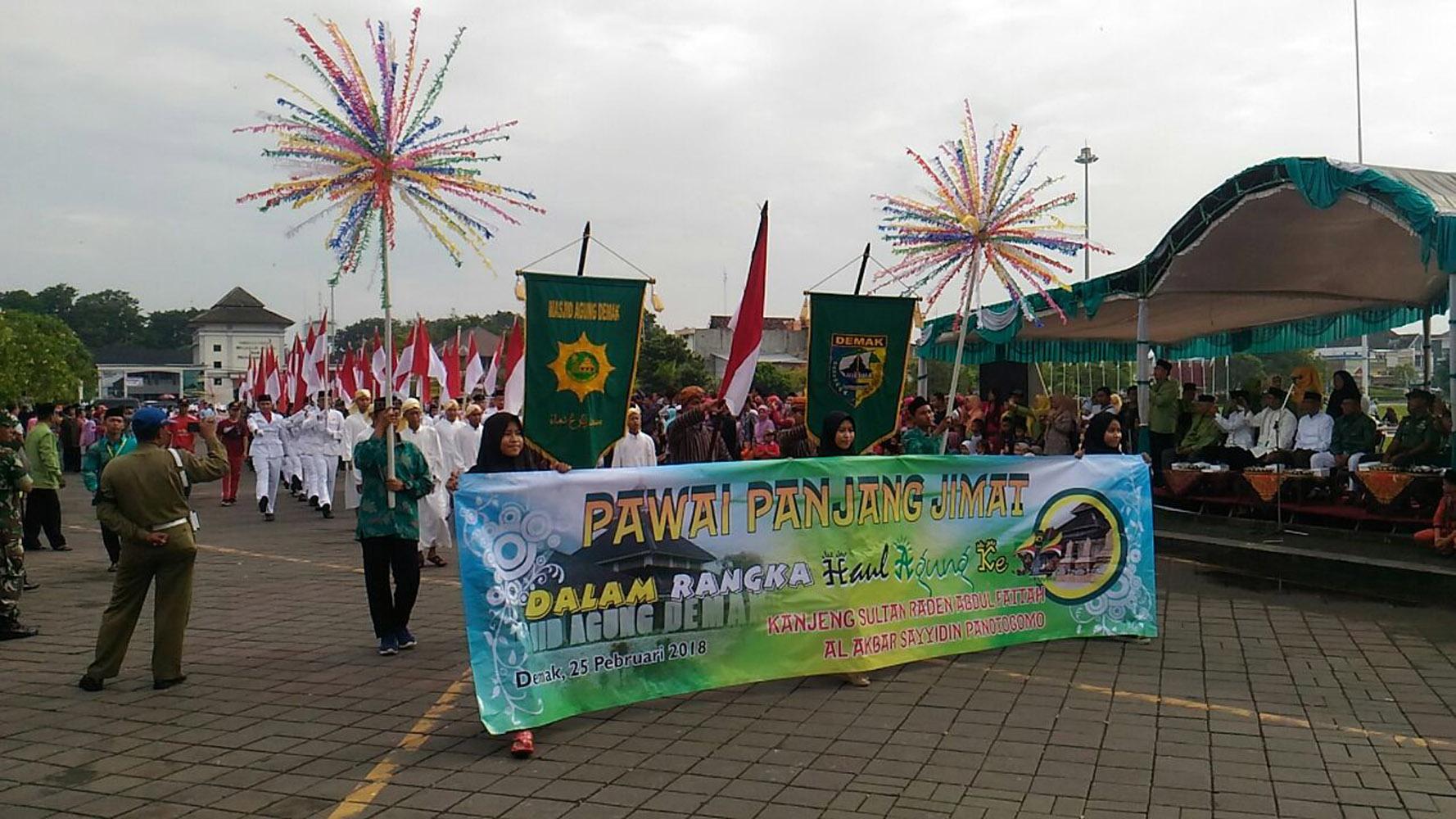 Pawai Panjang Jimat Kabupaten Demak Peringati Haul Agung Kanjeng Raden Patah