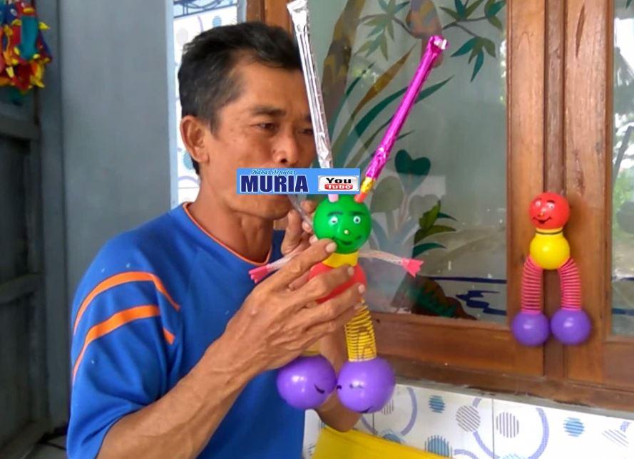 Boneka Goyang Bisa Bunyi Mainan Anak-Anak Baru dari Desa Karanganyar Jepara