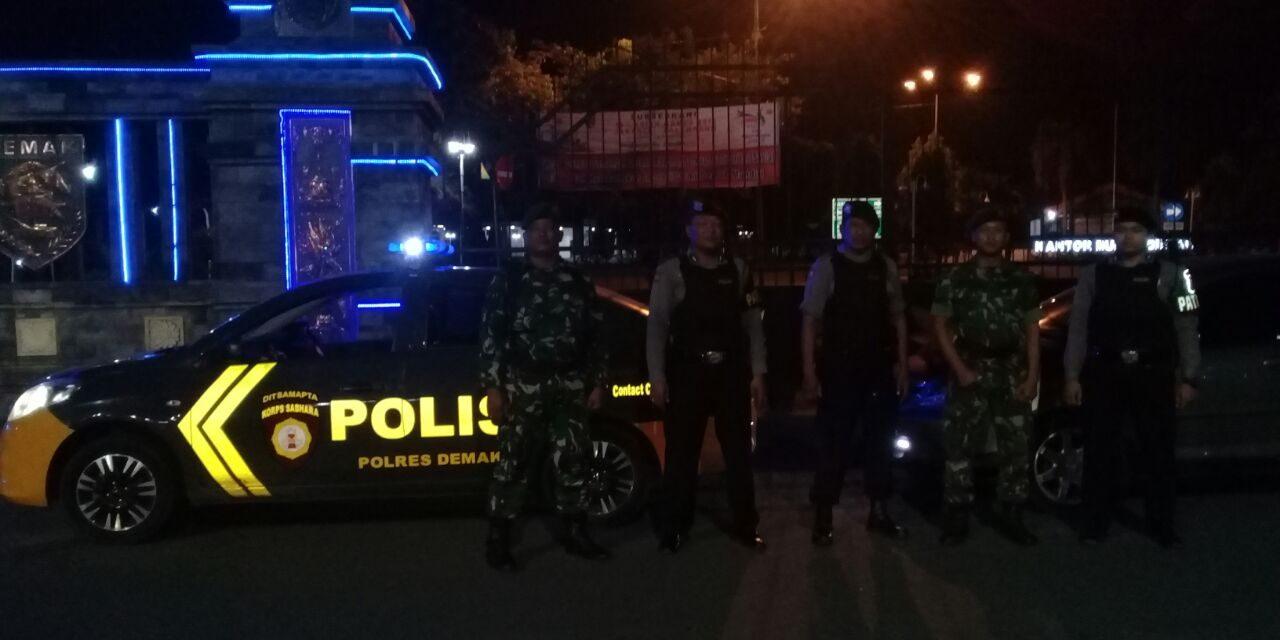 Untuk Menjaga  Keamanan Wilayah , TNI –POLRI   Rutin Gelar Patroli