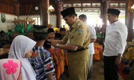 Seribu Anak Yatama dan Dhuafa Di Jepara Terima Paket Lebaran