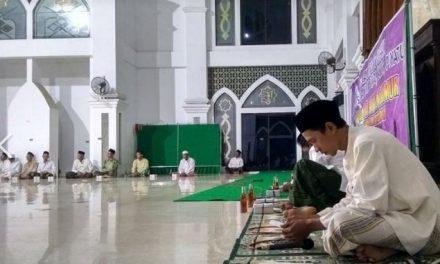 Malam Nuzulul Qur'an dan Santunan Yatama Masjid Jami' Baitul Makmur Kedungmutih