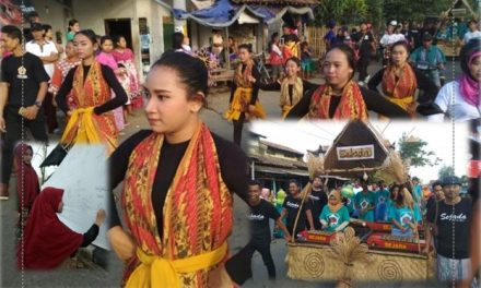 Warga Desa Ujung Batu Jepara Menjaga Tradisi SAK DUMUK BATHUK, SAK NYARI BUMI