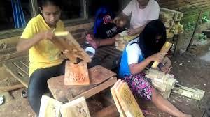 Di Jepara Pabrik Tumbuh Pesat , Regenerasi Tukang Ukir   Sangat Lambat