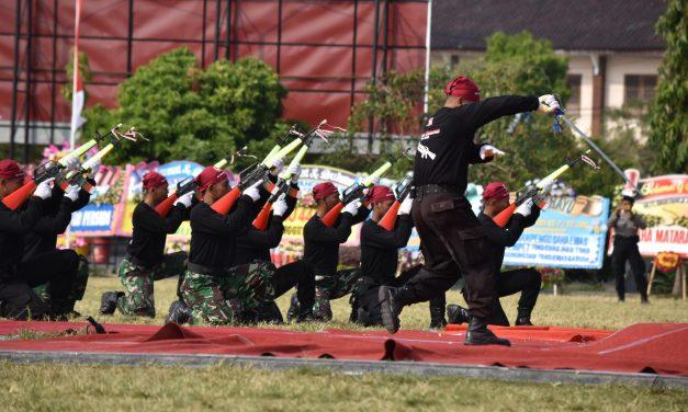 Atraksi Kolone Senapan Tni Polri Demak Memang Jempol Dan Oke