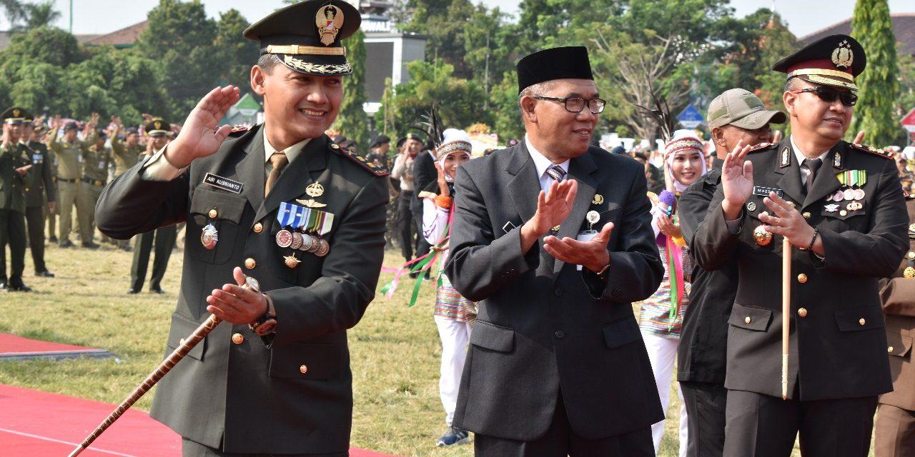 """""""Goyang Nasi Padang"""" Meriahkan  HUT Ke 72 Bhayangkara Di Alon Alon Demak"""