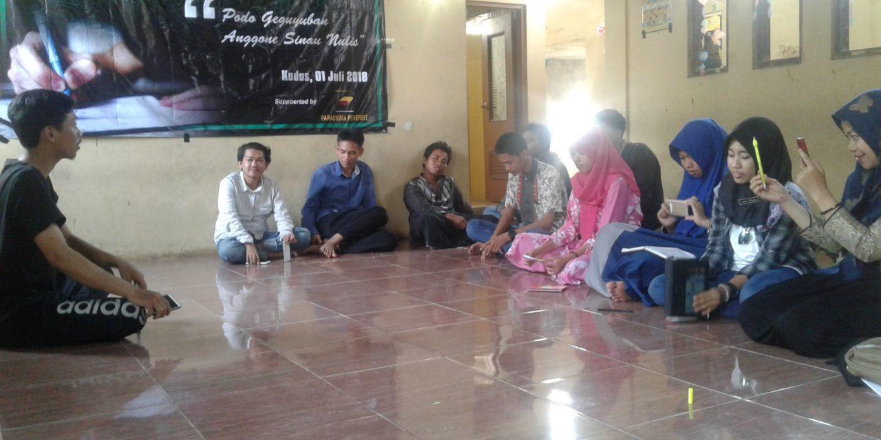 Mahasiswa STIBI Pati , Sinau Jurnalistik Redam Budaya Hoax