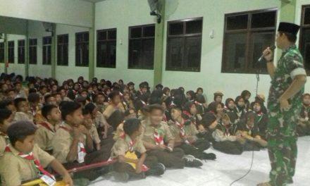Babinsa  Serka Wahyu Dwijaya,  Bakar Semangat Kebangsaan Siswa MTs Bandar Alim Jungpasir Demak