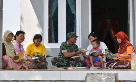 Dengan Ransel Ajaib   Pelda Jumbadi, Tumbuhkan Minat Baca Warga Desa Jali