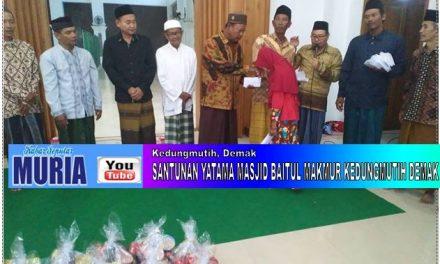Tahun Baru Hijriyah , Pengurus Masjid Jami' Baitul Makmur Kedungmutih Demak Santuni Yatama