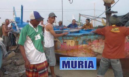 Unik Tradisi Naik Turun Perahu Nelayan Panggung Jepara , Uangnya Masuk Kas Masjid