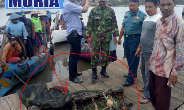 "Tolak Pengoperasian Alat Tangkap Ikan ""Garuk""  Nelayan Kedungmalang Jepara Razia  di Perairan Jepara"